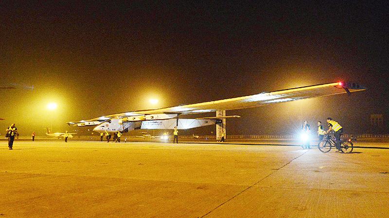 「ソーラー・インパルス2」が飛行距離で新記録