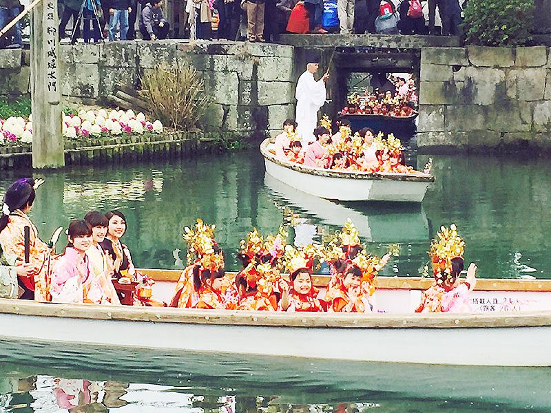 柳川市で「おひな様水上パレード」を開催