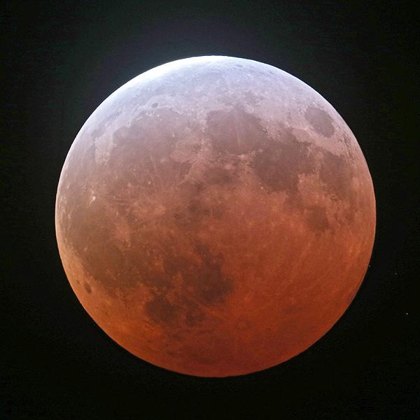 半年ぶりに全国で皆既月食