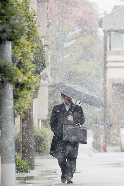 東京都心で雪が観測、4月は10年以来