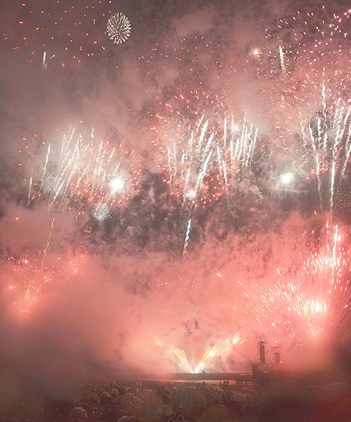 12回目「琉球海炎祭」、日本一早い夏の花火大会