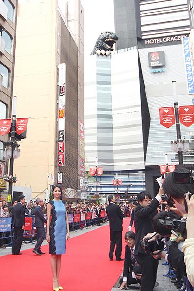 歌舞伎町で「新宿東宝ビル」の完成記念式典