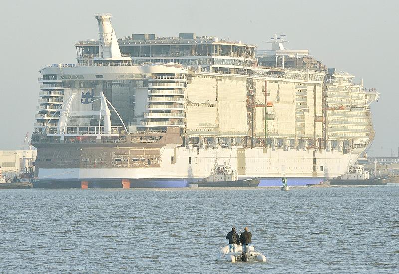 客船「ハーモニー・オブ・シーズ」が進水