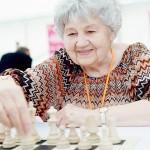 チェス「多面指し」総対局数で、世界記録達成