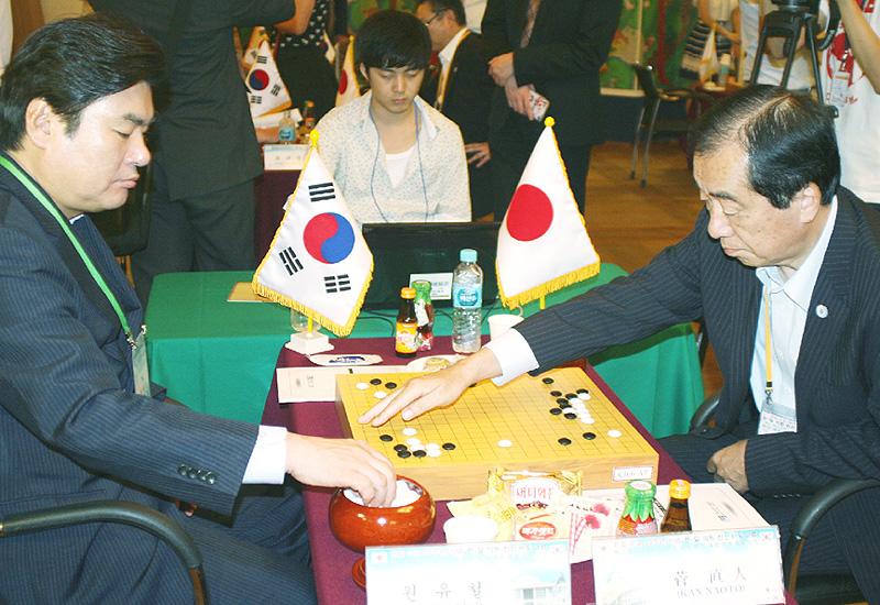 日韓議員、11年ぶりソウルで囲碁の親善交流