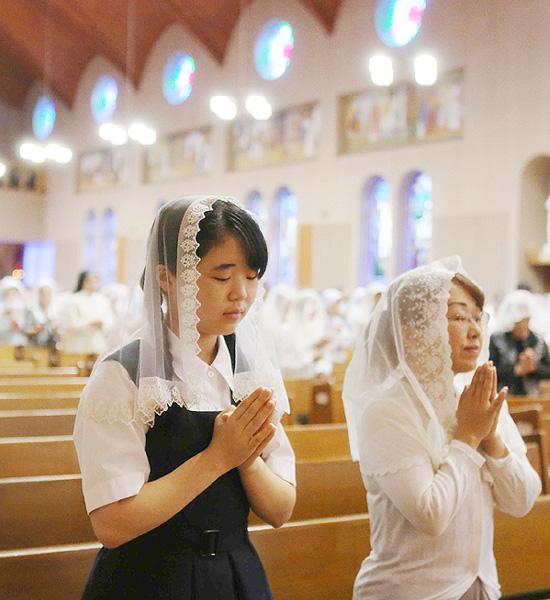 原爆犠牲者を追悼、信徒ら300人が静かに祈り