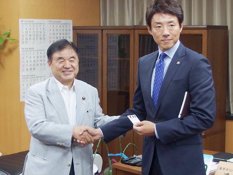 松岡修造さん、遠藤五輪担当相と都内で面談