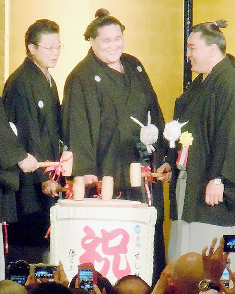 照ノ富士が伊勢ケ浜部屋の大関昇進祝賀会