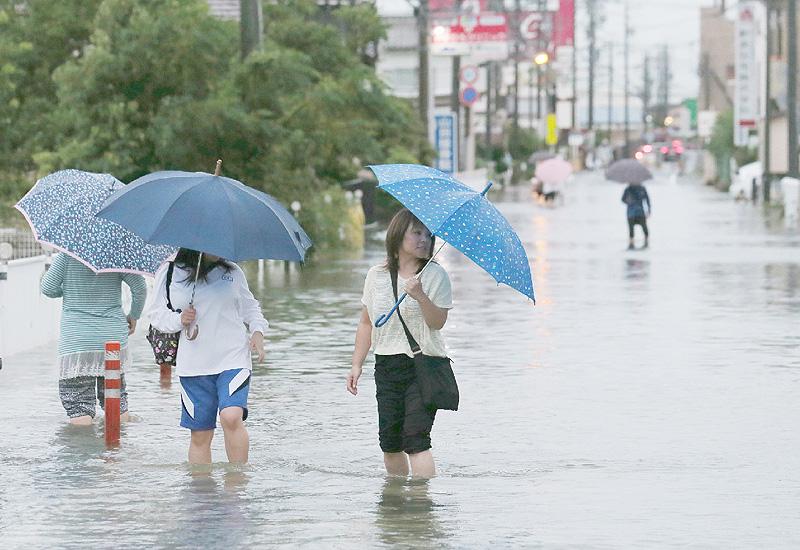台風18号と前線で大雨に警戒