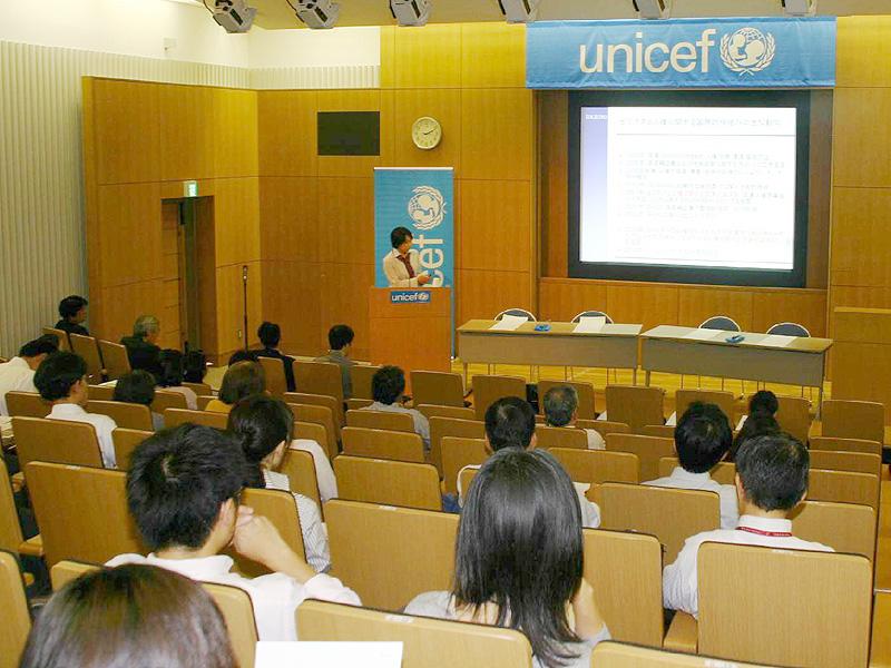 国連の指導原則を補完、働く子供の人権守ろう