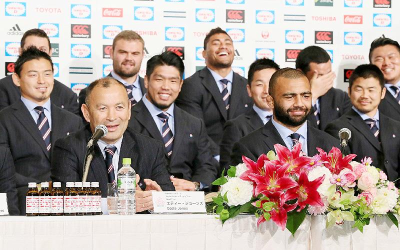 「新しいヒーロー」ラグビー日本代表が帰国