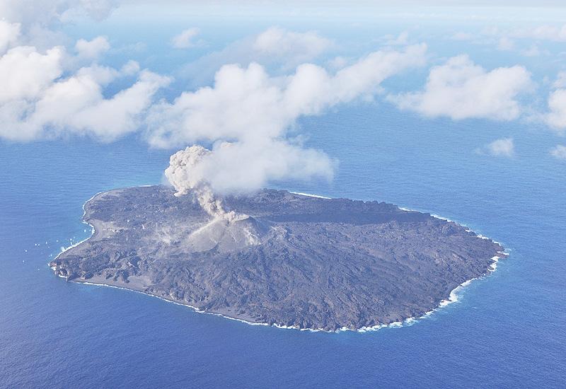 小笠原諸島・西之島の噴火確認から2年