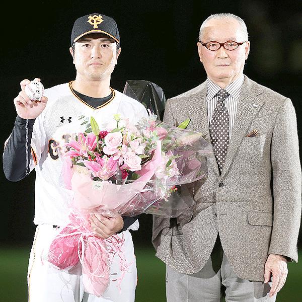 東京ドームで高橋由伸新監督の現役引退・就任式
