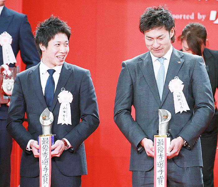 セ・パ両リーグ、MVPは山田哲人と柳田悠岐