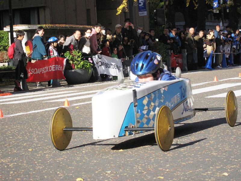 日本グランプリ、ちびっこレーサーがタイム競う