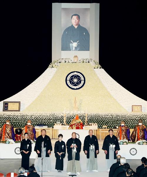 日本相撲協会葬、2500人が北の湖さん悼む