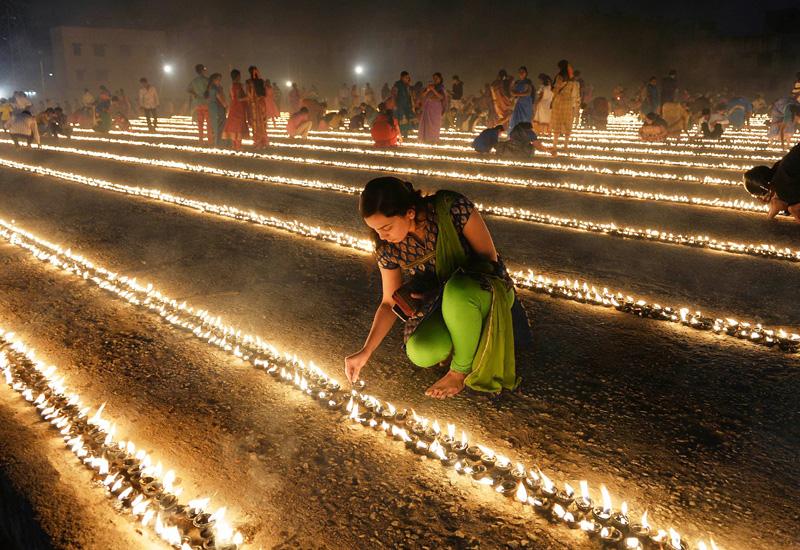闇夜を照らす光の祭典「マカラ・サンクランティ」